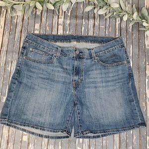 Levi's Jean Shorts - Sz 32